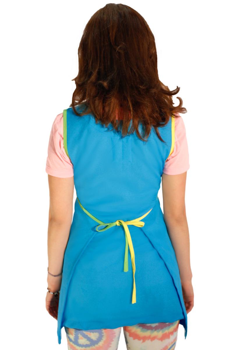 foto de bata para maestra de preescolar azul cielo espalda