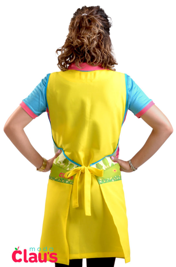 espalda de uniformes de maestra de preescolar en color amarillo