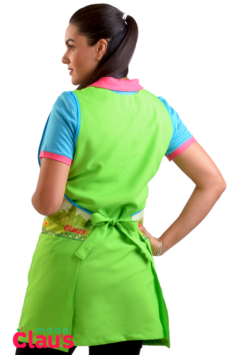 espalda de uniforme para maestra de preescolar color verde frente